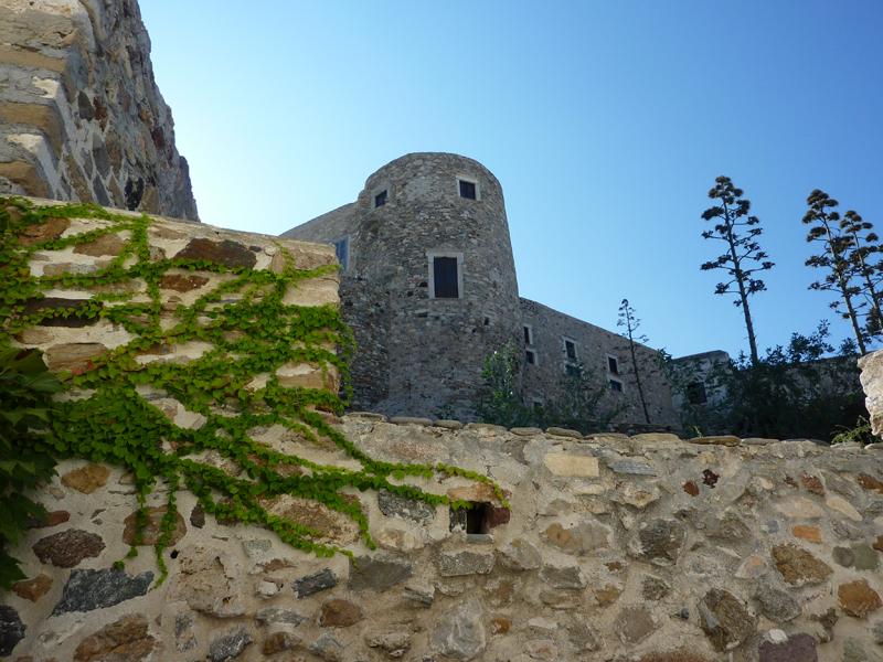 Chateau dans la chora de Naxos
