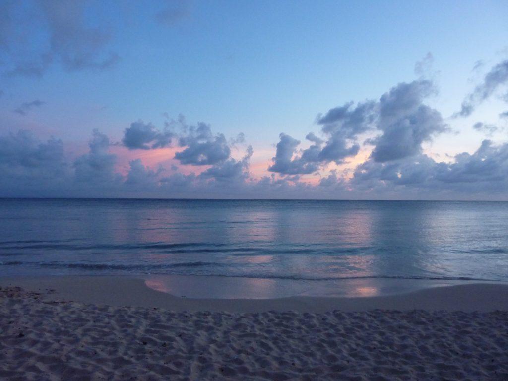 Martinique, plage au crépuscule