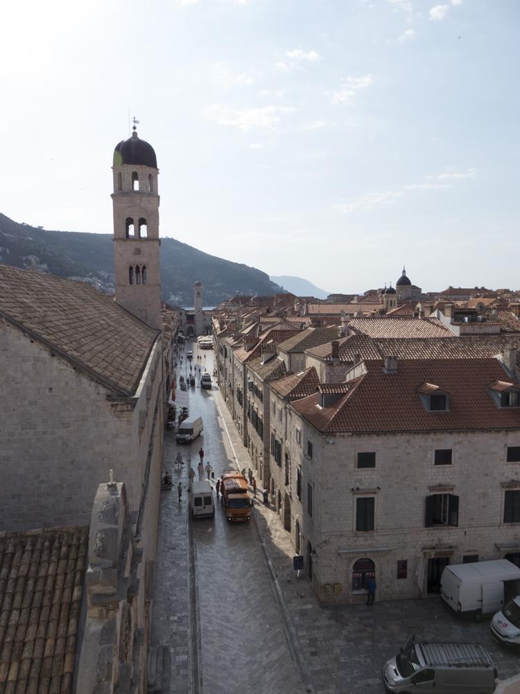 Vue sur Stradun depuis les remparts de Dubrovnik
