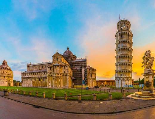 Tour de Pise sur la Piazza dei Miracoli