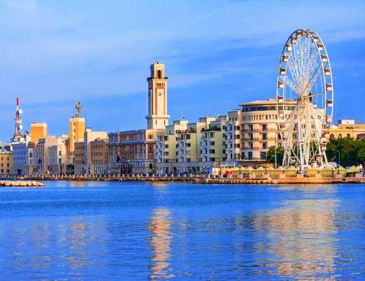 Visiter Bari sans voiture : le lungomare de Bari