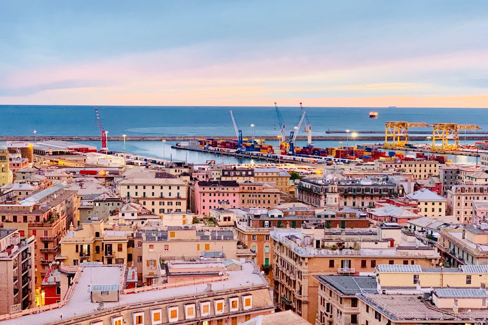 Visiter Gênes sans voiture : infos, coûts et conseils